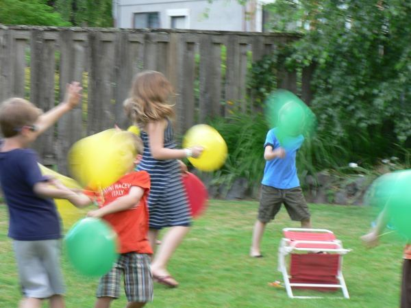 Who needs games when you can have a good  ol balloon fight?